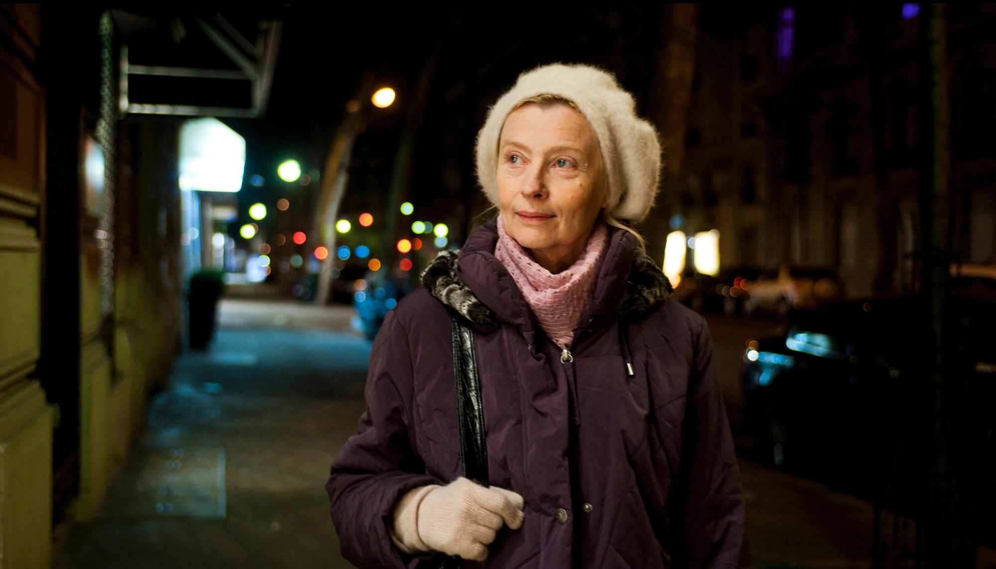 Fotograma de la película Una dama en París