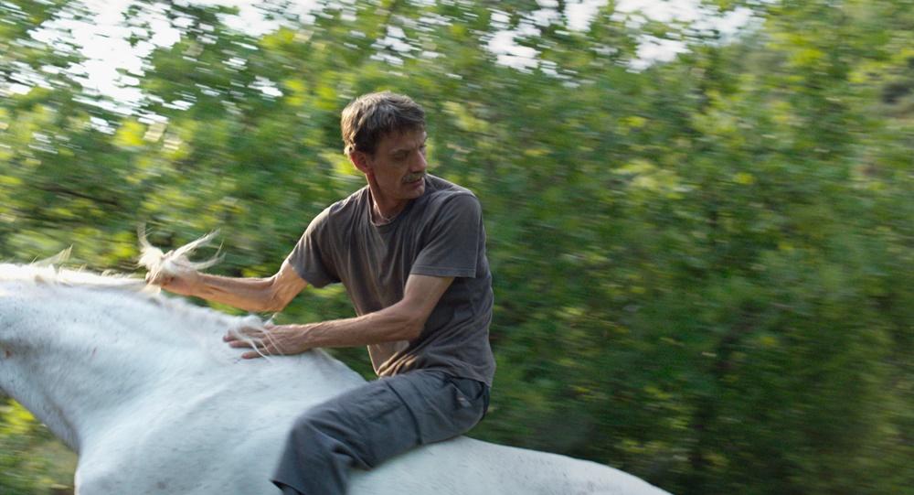 Click en PLAY VIDEO para ver el trailer de Western